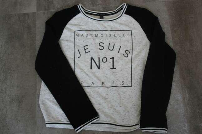 Imagen jersey blanco y negro