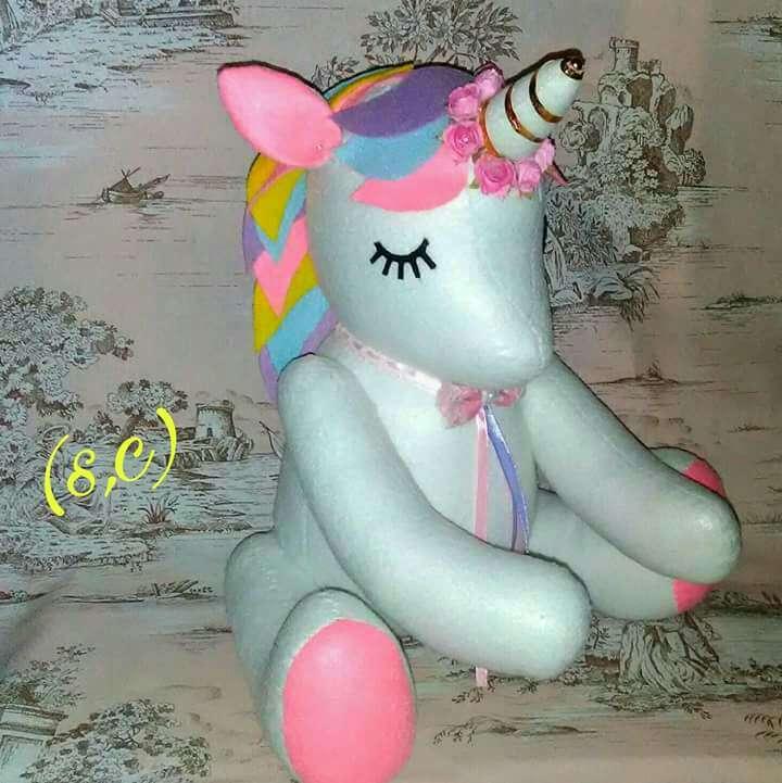 Imagen Unicornio grande sentado
