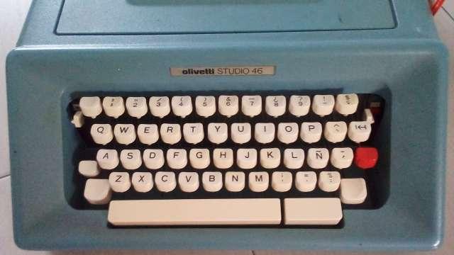 Imagen producto Máquina de escribir olivetti 46 3