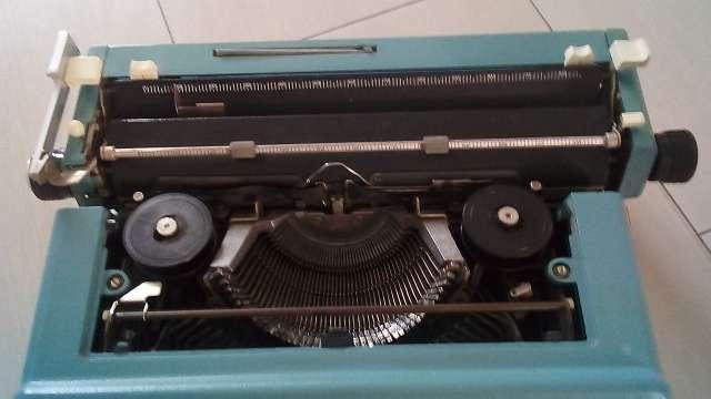 Imagen producto Máquina de escribir olivetti 46 4