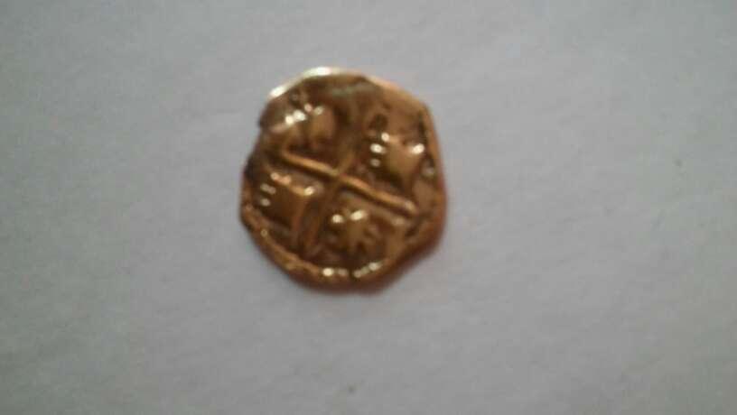 Imagen moneda chapado en oro fernandoIv