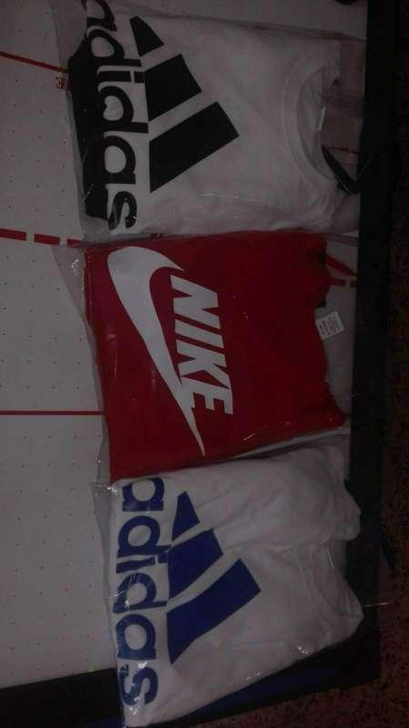 Imagen se vende ropa