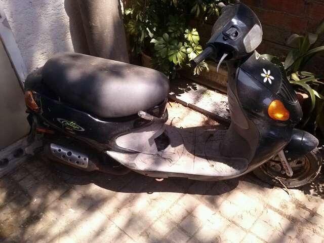 Imagen moto escuter