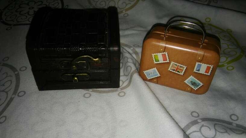 Imagen 2 cajas.  Uno tipo maleta de viaje otra para joyero etz