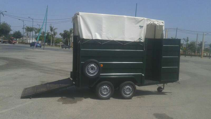 Imagen producto Alquiler remolques para caballos (van) 2