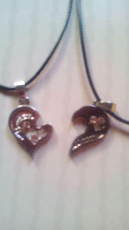 Imagen 2 colgantes corazon