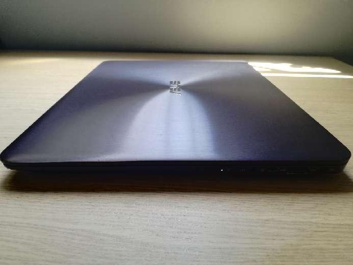 Imagen Ordenador Portátil Asus Zenbook UX305UA