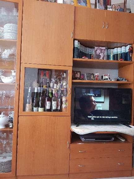 Imagen producto Dos módulos de salón y diferentes estanterías de madera de salon 2