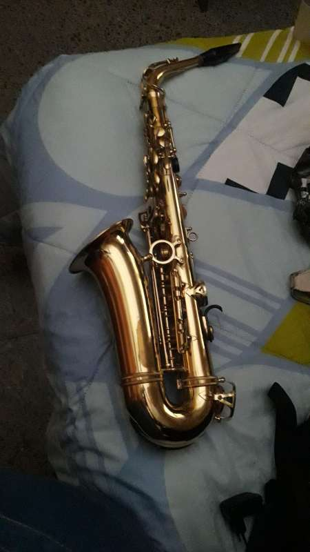 Imagen Saxofon gold music