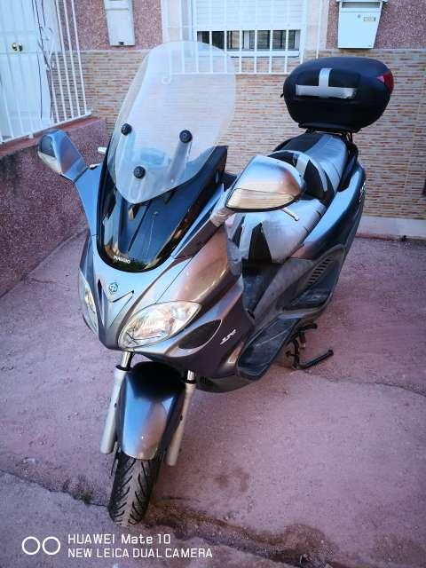Imagen Piaggio X9 Evolution 250 cc