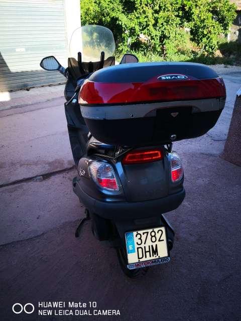 Imagen producto Piaggio X9 Evolution 250 cc 2