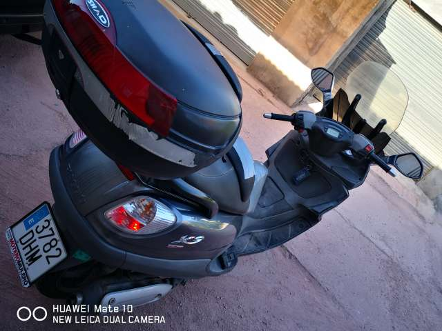 Imagen producto Piaggio X9 Evolution 250 cc 3
