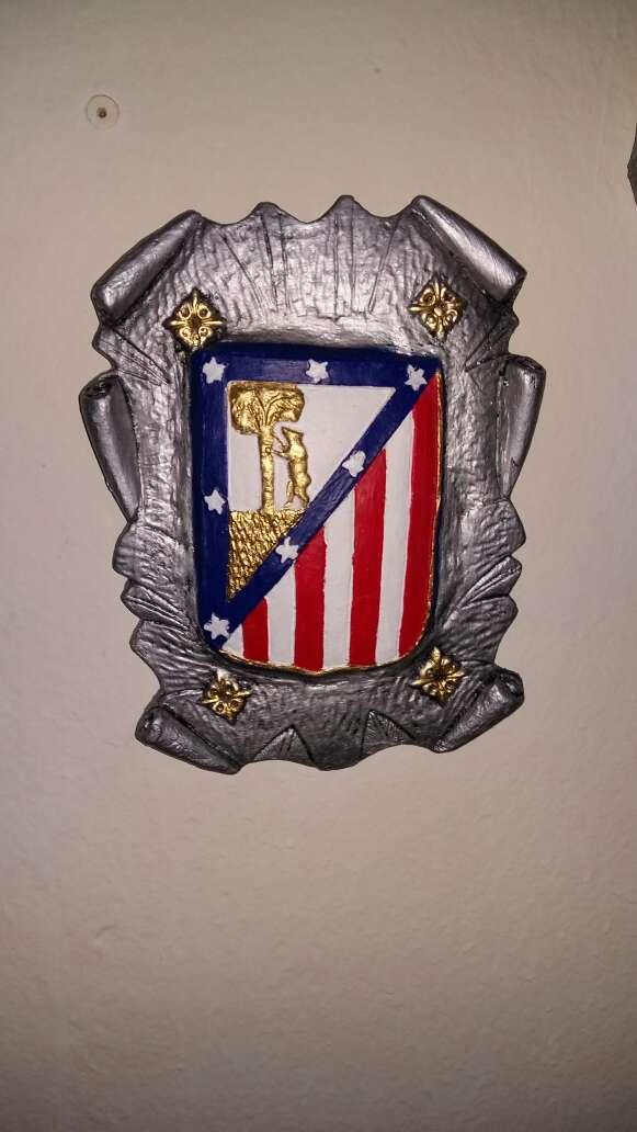 Imagen escudos at Madrid colgar 28cm pergamino