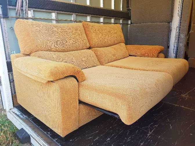 Imagen sofá en buen estado