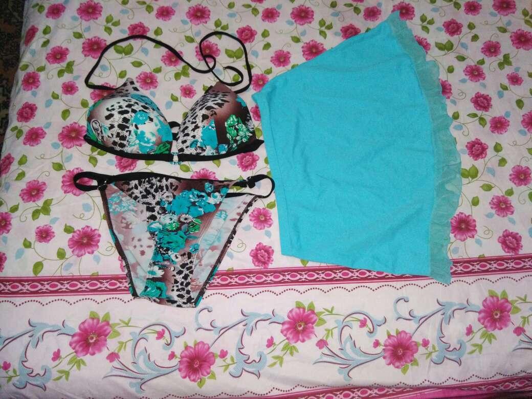 Imagen 3 Bikinis + pareo