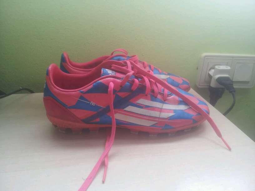 Imagen Botas de futbol adidas
