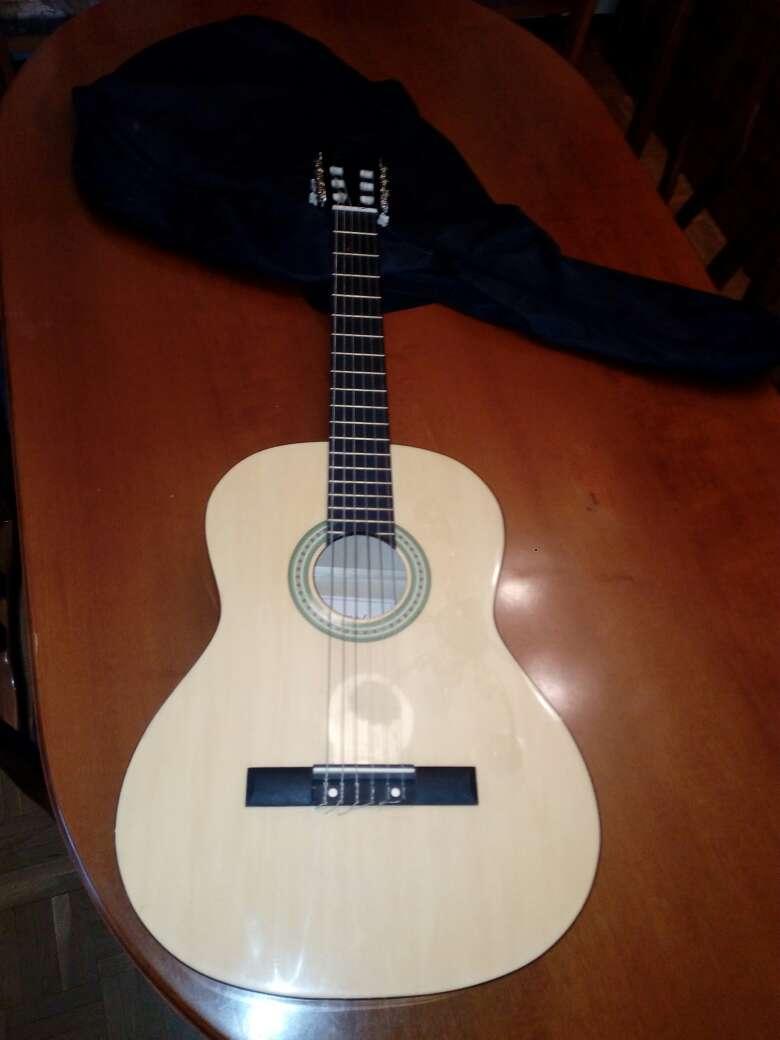 Imagen Guitarra clásica española