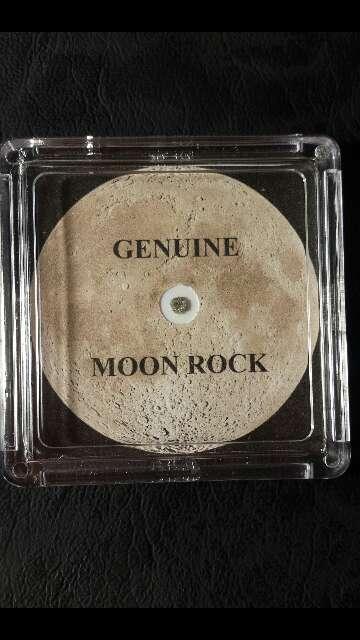 Imagen Meteorito lunar certificado