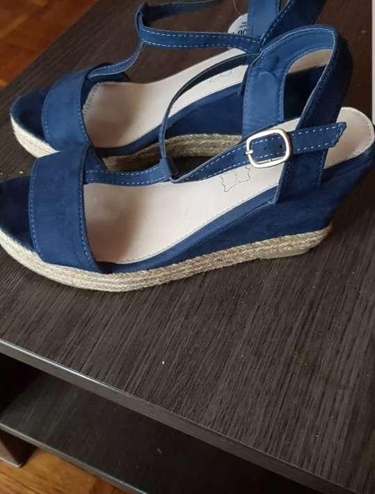 Imagen producto Tacón azul 2