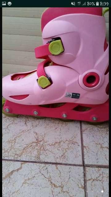 Imagen patines rosas y verdes
