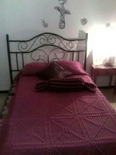 Imagen producto Muebles de salón y zapatera y somier con cabezal,me urgen bajo precio, por marchar  fuera 4