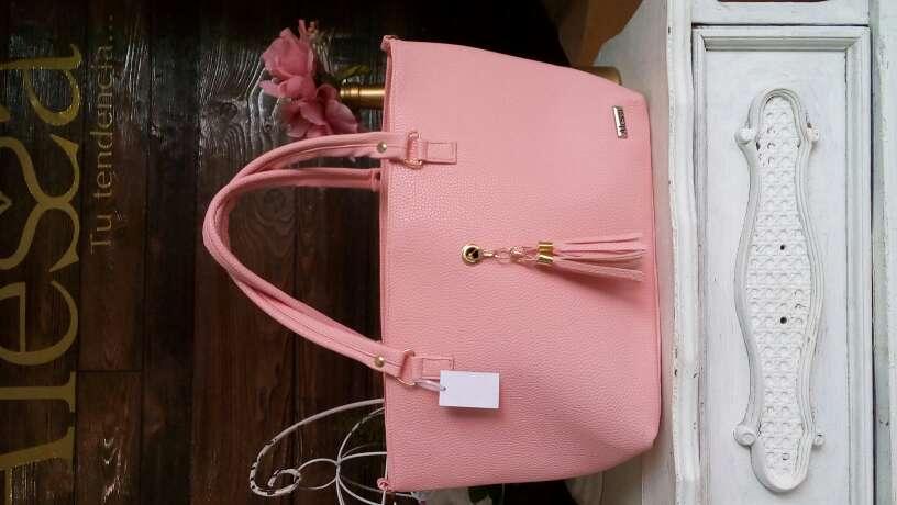 Imagen bolsas y mochilas Alessa