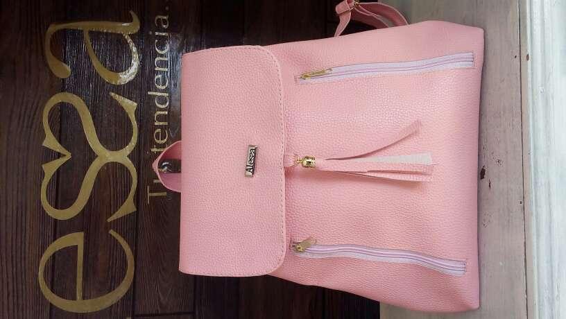 Imagen producto Bolsas y mochilas Alessa 2