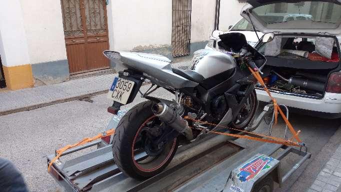 Imagen producto Yamaha R1 año 2004    1000cc 3