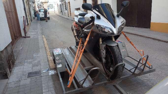 Imagen Yamaha R1 año 2004    1000cc