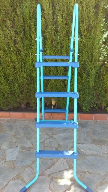 Imagen producto Escalera para piscina-Nueva 3