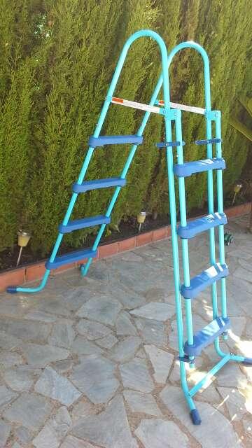 Imagen producto Escalera para piscina-Nueva 4