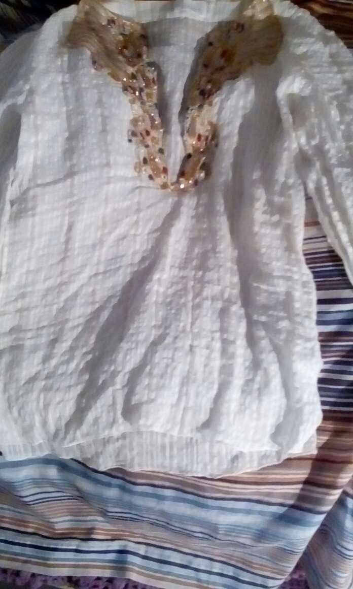 Imagen blusa piedra color champán italiana talla  L  ..