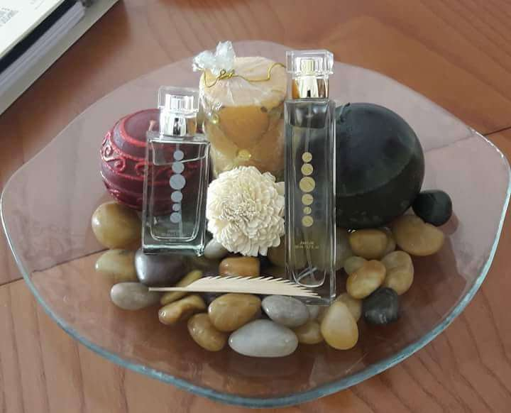 Imagen sorprende con perfume