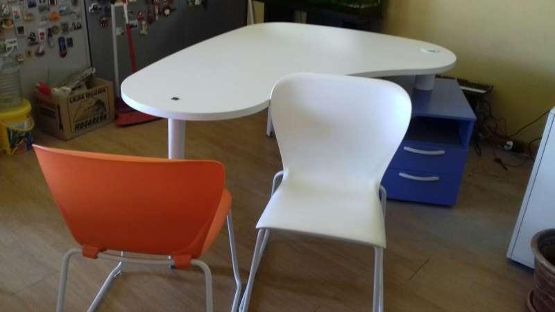 Imagen producto Mesa escritorio y sillas Barceló 2