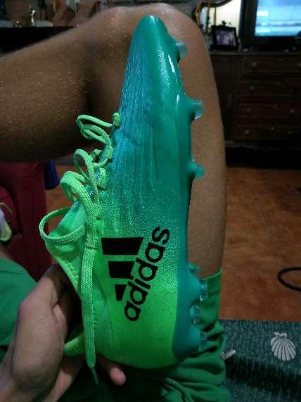 Imagen botas de fútbol Adidas X.