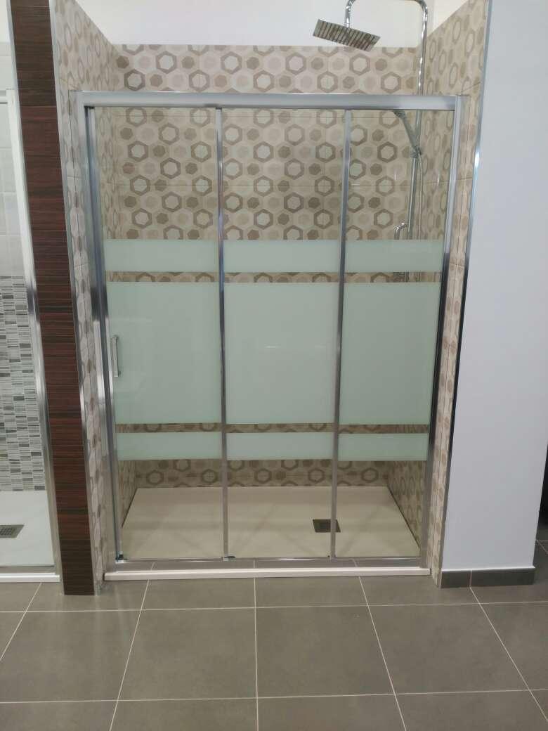Imagen producto Duchamanía. Cambio de bañera por plato de ducha. 5