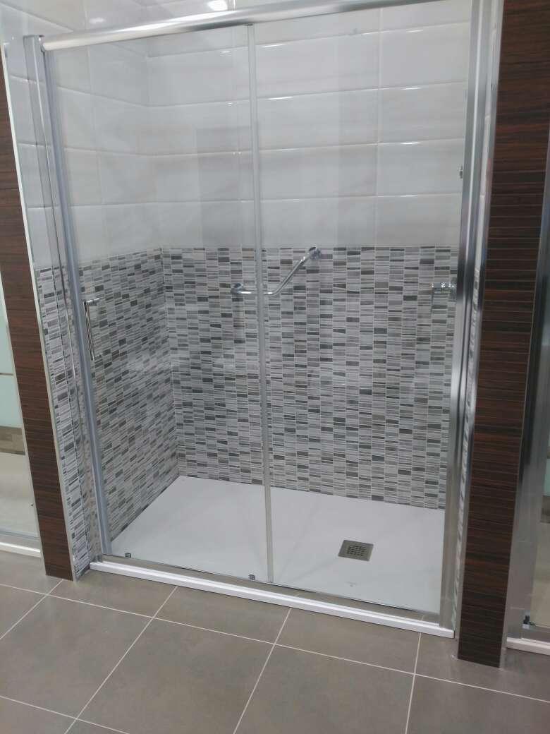 Imagen producto Duchamanía. Cambio de bañera por plato de ducha. 4