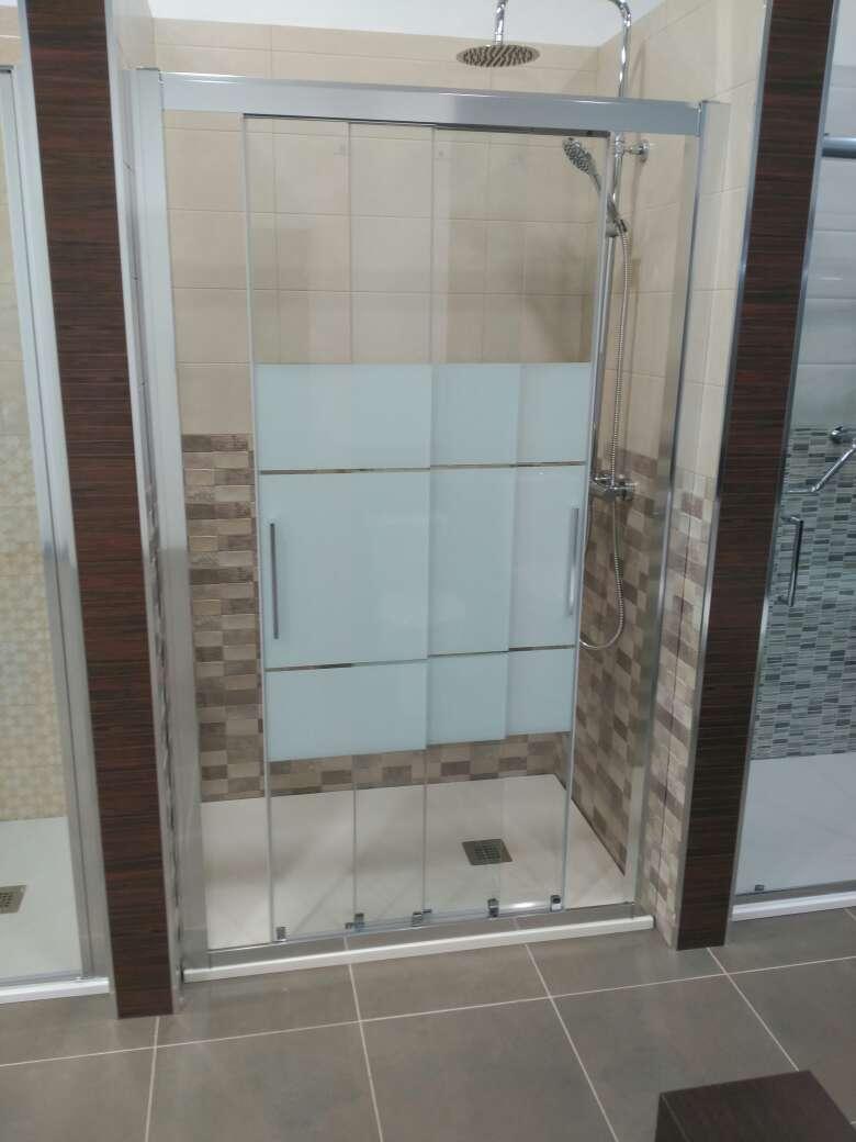 Imagen producto Duchamanía. Cambio de bañera por plato de ducha. 3