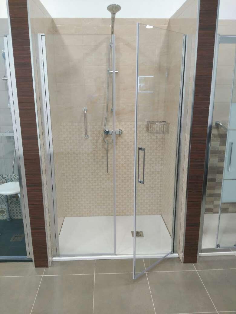 Imagen producto Duchamanía. Cambio de bañera por plato de ducha. 2