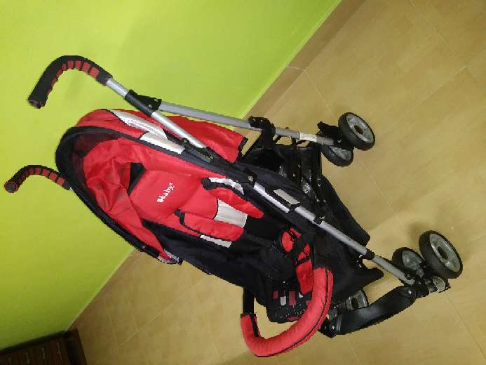Imagen producto Vendo cochecito de bebé, mecedora, y sillines del coche 5