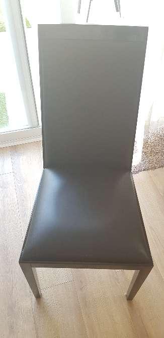 Imagen producto Juego de 4 sillas de madera Alta Calidad 3