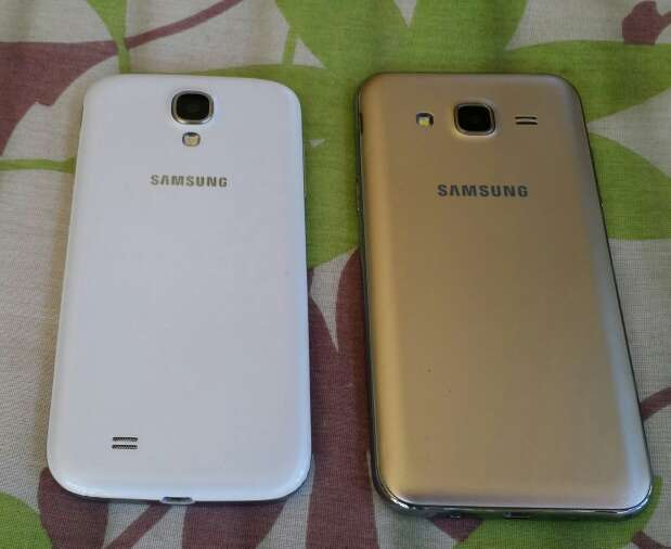 Imagen producto 2 móvil 1 es Samsung el S4 y el otro Samsung J5 2