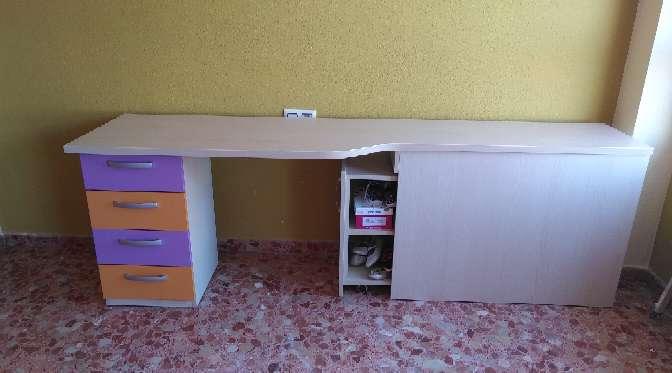 Imagen producto Habitacion madera combinada con colores en los cajones 3