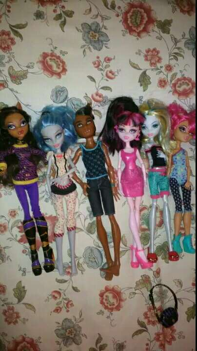 Imagen Monster hight, barbies, princesas Disney...