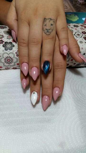 Imagen uñas gel manicura y pedicura esmalte semipermanente