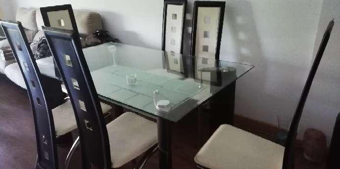 Imagen Mesa de comedor con 6 sillas