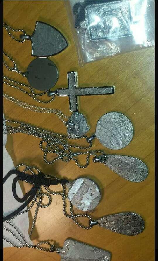 Imagen producto Variedad de artículos gemas y metales  10