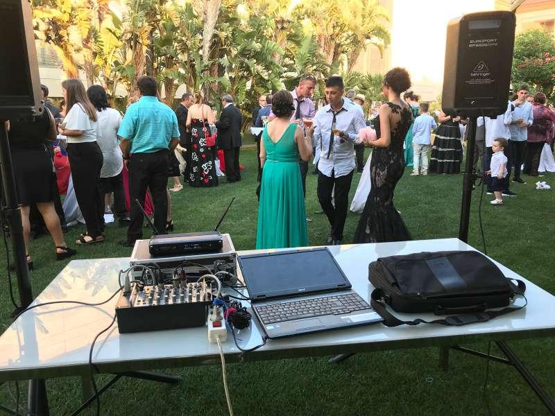 Imagen Alquiler de equipos de sonido e iluminación / DJ