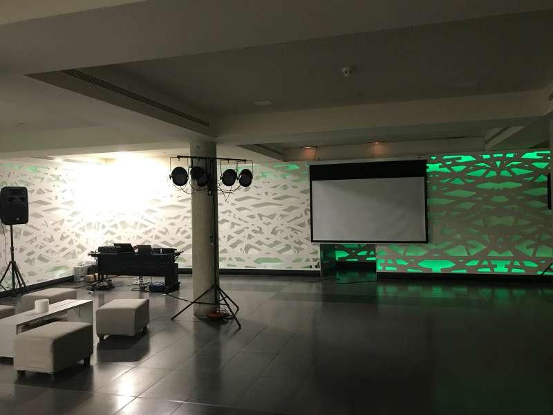 Imagen producto Alquiler de equipos de sonido e iluminación / DJ 6