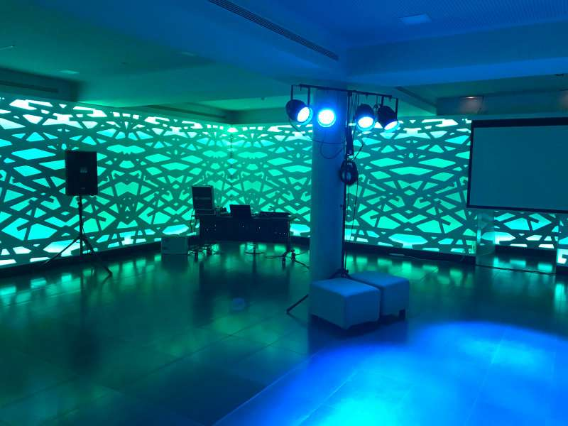 Imagen producto Alquiler de equipos de sonido e iluminación / DJ 10